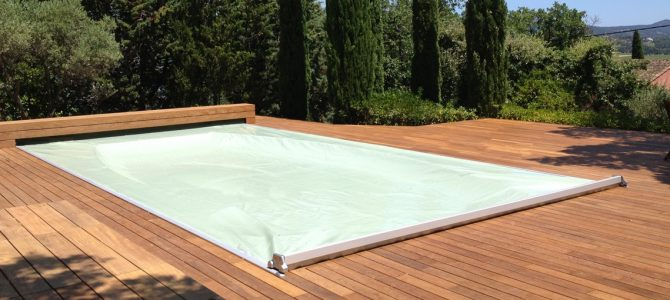 Abris et couvertures de piscine for Couverture piscine
